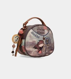 Buy the round crossbody bag for women from the Miss Anekke collection. Visit our online bag store and discover the whole collection. Diy Bags Purses, Diy Purse, Diy Bags Patterns, Mini Crossbody Bag, Quilted Bag, Online Bags, Handmade Bags, Mini Bag, Fashion Bags