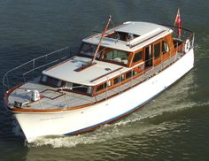 Vintage Commuter Yacht
