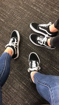 Summer Outfits, Casual Outfits, Fashion Outfits, Sock Shoes, Vans Shoes, Estilo Vans, Tenis Vans, Zapatillas Casual, Vans Outfit