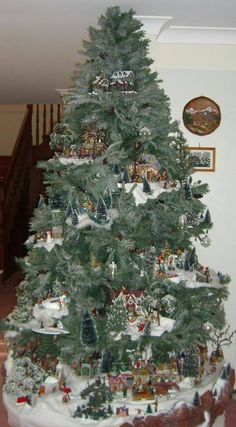 Xmas Diy & Craft: Save time and space by building a Village in your Christmas Tree Lemax Christmas, Christmas Village Display, Christmas Villages, Noel Christmas, Winter Christmas, Christmas Crafts, Christmas Mantles, Victorian Christmas, Christmas Cookies