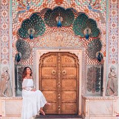 Catherine P. Photography Pics, Photography Poses Women, Indian Photography, Travel Pose, Travel Vlog, Jaipur Travel, India Travel, City Palace Jaipur, Girly Dp