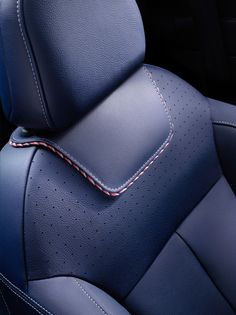 DS launched its first creation yesterday - the DS 3 Ines de la Fressange Paris. A design collaboration with the luxury life style brand Ines de la Custom Car Interior, Car Interior Design, Automotive Design, Luxury Sports Cars, Leather Seat Covers, Leather Car Seats, Automotive Upholstery, Car Upholstery, Citroen Ds