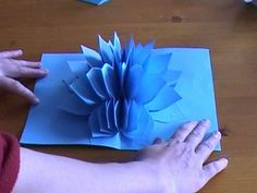 Amazing flower pop up card.