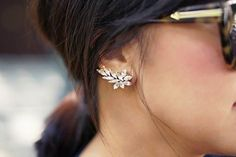 Absolutely love ear cuffs! So elegant and classy - ear cuff fashion -