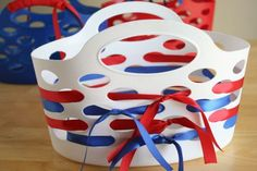 These Ribbon Wrapped Gift Baskets would be great for almost any holiday, but are fun in red, white, and blue for the 4th of July! They would be perfect gifts to give to a neighbor or friend, filled with yummy holiday treats! Or carry along your family's belongings to a 4th of July party. Supplies … 4th of July Disney #fourthofjuly #disney