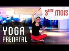 Posture du chameau, du héros, étirement pyramidal... Une séance de yoga prénatal*, qui vous aidera à soulager vos douleurs de dos et sciatiques, fréquentes d...