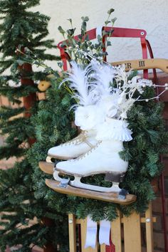 This Ice Skate Wreath is amazing! Easy and fabulous everyone will love! Christmas Tree Decorations, Christmas Wreaths, Christmas Crafts, Christmas Ornaments, Holiday Decor, Winter Wreaths, Winter Holiday, Seasonal Decor, Holiday Ideas