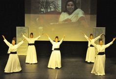 Sahaja Yoga Dans Program - Istanbul Kadikoy Halk Egitim Merkezi