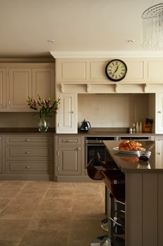 Modern Suffolk farmhouse kitchen by Rendall & Wright