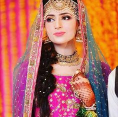 Gorgeous ❤ #beautifulbride #pakistanibride #shaadiseason #bridalseason #pakistaniwedding #bridalstyle #pakistanfashion #pakistanibridal  follow @stylefashionistapk