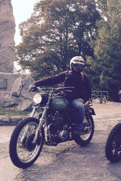 #special #specialbike #scrambler #xl600 #husqvarna #hippie #hippy #diy #70s #stevemcqueen #barbour #style #vintagestyle #garage
