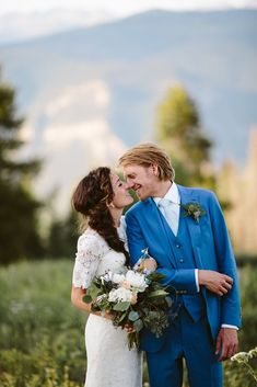 10 tips for planning your hygge wedding. Find out the best tips when trying to put together a cozy, chic outdoor mountain wedding with optimum hygge vibes. #wedding #hygge #hyggelife #hyggewedding #outdoorwedding #mountainwedding #forestwedding