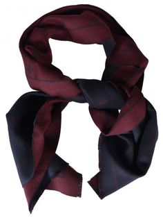 GUCCI Gucci Bees And Star Scarf. #gucci #scarves