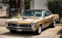 "The very popular Camrao A favorite for car collectors. The Muscle Car History Back in the and the American car manufacturers diversified their automobile lines with high performance vehicles which came to be known as ""Muscle Cars. Autos Toyota, Bmw Autos, Chevy, Chevrolet Impala, Pontiac Gto, Us Cars, Sport Cars, 1957 Chevrolet, Firebird"