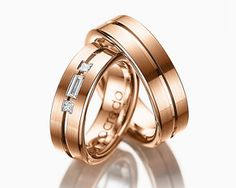 Alianzas de boda en oro ¿amarillo, blanco o rosa? #boda #alianzas Wedding Rings Sets His And Hers, Wedding Band Sets, Promise Rings For Couples, Rings For Men, Couple Bands, Smart Ring, Expensive Rings, Matching Rings, Love Ring