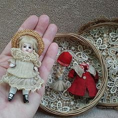 Tiny All Bisque Kestner 154 All Original Mignonette http://www.dollshopsunited.com/stores/auntjaniesdolltrunk/items/1274481/Tiny-All-Bisque-Kestner-154-All-Original-Mignonette #dollshopsunited