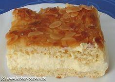 Bienenstich (a German cake). Second favorite Austrian Recipes, German Recipes, Sweets Cake, Cupcake Cakes, Quiches, Deutsche Desserts, German Baking, Cake Recipes, Dessert Recipes