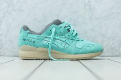 "KITH strikes again - ""Cockatoo Green"" ASICS GEL-Lyte III #sneakers. Just got these bad boys today!"