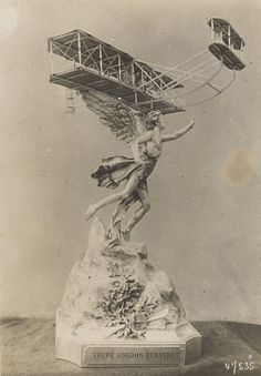 early aviation statue