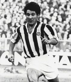 1961- Enrique Omar Sívori was an Italian Argentine football striker and manager. He is known for his time with the successful Juventus side during the late 1950s and early 1960s. At club level he also played for River Plate and Napoli