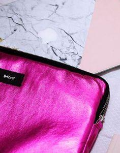 funda-ordenador-metalic-fucsia-8 Metal, Bags, Collection, Fashion, Notebook Covers, Hot Pink, Handbags, Moda, Fashion Styles