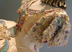 Detail of a period Ball Gown designed by Linda Leyendecker Gutierrez and Niti Volpe for the Society of Martha Washington Colonial Pageant and Ball in Laredo, Found on Texas.Brit Gal in the USA: A visual feast of stunning beauty! Victorian Costume, Victorian Dresses, Oscar Gowns, Princess Aesthetic, Fashion History, Women's Fashion, Fashion Dresses, Period Outfit, Vintage Gowns