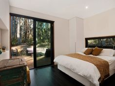 Musk Bunker is a modern prefab cabin designed by Melbourne-based Modscape. The design concept lends itself to the ideal bush hideaway. Prefab Cabins, Prefab Homes, Cabin Design, House Design, Small Modular Homes, Building Systems, Kabine, Affordable Housing, Home And Living
