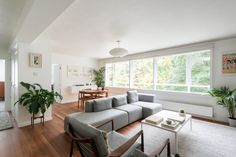 This fantastically bright two-bedroom flat, on the third floor of an iconic block, has been carefully transformed into a smart and stylish space with great consideration for detail. Designed by Austin Vernon and Partners in 1959, the building forms part of the Dulwich Estate and won a Civic Trust award in 1964. The open-plan living space is […]
