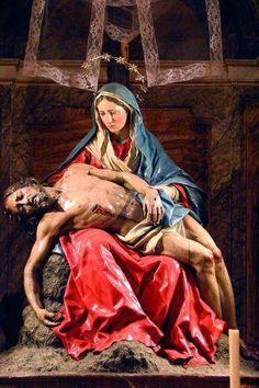 Jesus descido da Cruz - Piedad - Catedral de Salamanca.jpg