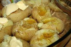 Cartofi zdrobiți la cuptor - o bunătate! Încearcă să nu-i mănânci singură pe toți... - Bucatarul Portugal, Mashed Potatoes, Food To Make, Shrimp, Sausage, Brunch, Food And Drink, Pork, Health Fitness