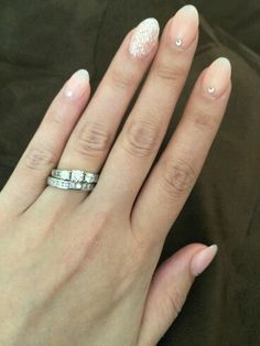 Almond shape nails