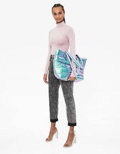 Τοπ με ριπ και λαιμόκοψη V - New - Bershka Greece Harem Pants, Pajama Pants, New Trends, Pajamas, Fall, Fashion, Pjs, Autumn, Moda