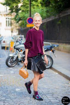 #New on #STYLEDUMONDE http://www.styledumonde.com with @aymelinevalade #AymelineValade at #paris #fashionweek #haiderackermann #pleats #outfit #ootd #streetstyle #streetfashion #streetchic #fashion #mode #style
