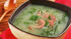 Caldo verde. | 13 receitas de sopas maravilhosas para fugir da dieta