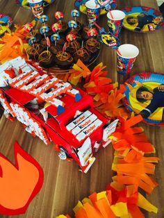 Wir haben einen Feuerwehr-Geburtstag gefeiert, den zweiten im Übrigen schon. Unsere Ideen, Dekorationen uvm. findet Ihr hier. :)