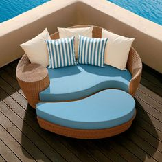 Barlow Tyrie Dune Daybed and Ottoman - Straw