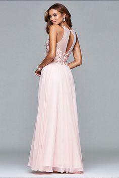 Vestido de gasa color rosa con aplique floral modelo s7997 de Faviana