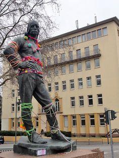 Noch ein schönes Outfit des Hafenarbeiters, gefunden auf www.stadtkindfrankfurt.de