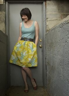Tutorial for a tank dress with pockets.