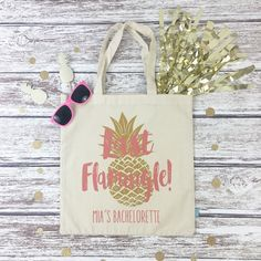 Are you planning a beach bachelorette bash or getaway?! Our adorable LAST FLAMINGLE totes are the perfect beach bag favor for you and your girls!