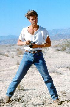 """Brad Pitt for Levi's, Robert Redford, George Clooney, Jennifer Aniston, Junger Brad Pitt, Celebrity Babies, Celebrity Style, Celebrity Photos, History Of Jeans, Men's Clothing"