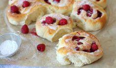 Drożdżówki z malinami - Thermomix Przepisy Cooking Chef, My Dessert, Polish Recipes, Cinnamon Rolls, Doughnut, Donuts, Cheesecake, Food And Drink, Sweets