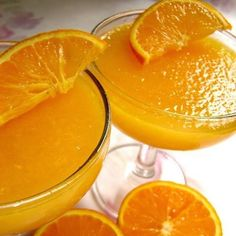 ゼラチンを直接オレンジジュースでふやかすので味が薄まらず、濃厚なオレンジの味を楽しむことができます!