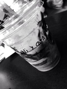 Juli y Cata en Starbucks