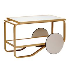 tea trolley 901 Design Alvar Aalto, 1936 Bent birch plywood, laminate Made in Finland by Artek Objects are made to be completed by the human mind. Trolley Table, Serving Trolley, Tea Trolley, Tea Cart, Alvar Aalto, Table Furniture, Modern Furniture, Furniture Design, Interior Exterior
