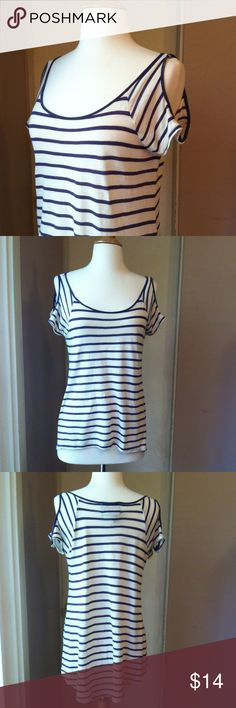 "Blue and White striped hi/low top A hi/low hem and open shoulders give this classic striped tee a fun twist. In excellent condition. 25""L in front, 30"" in back. 18"" bust laying flat. 55/45 cotton, ramie for a super soft vintage feel tee. Size small. Urban Outfitters Tops Tees - Short Sleeve"