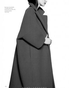 Jil Sander by Raf Simons amazing red coat Minimal Fashion, Trendy Fashion, Winter Fashion, Vintage Fashion, Fashion Outfits, Minimal Style, Fashion Styles, Jil Sander, Mode Mantel