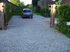 Realisaties - Opritten en parkings: De Clercq Pieter – terrassen, opritten, tuinaanleg, Oost-Vlaanderen, West-Vlaanderen, Antwerpen, Vlaams-...