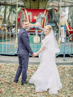 Rustic Romance and Whimsical Carousel Wedding | fabmood.com