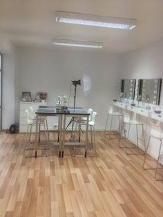 Want open space and hardwood floors for studio/office Makeup Bar, Makeup Salon, Studio Fix, Studio Room, Makeup Studio Decor, Beauty Salon Interior, Glam Room, Makeup Rooms, Beauty Studio